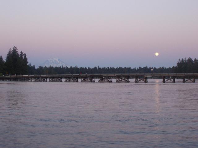 bridge-mtn-moon
