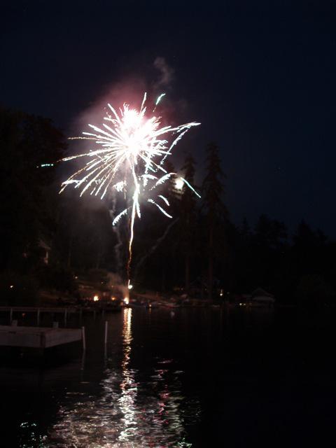 firework-reflection